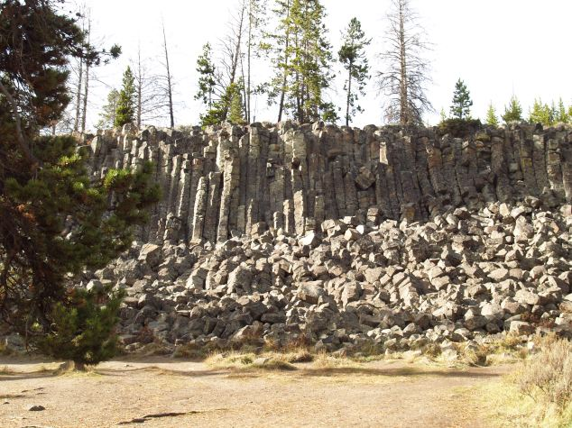 Sheepeater Cliff, Yellowstone National Park